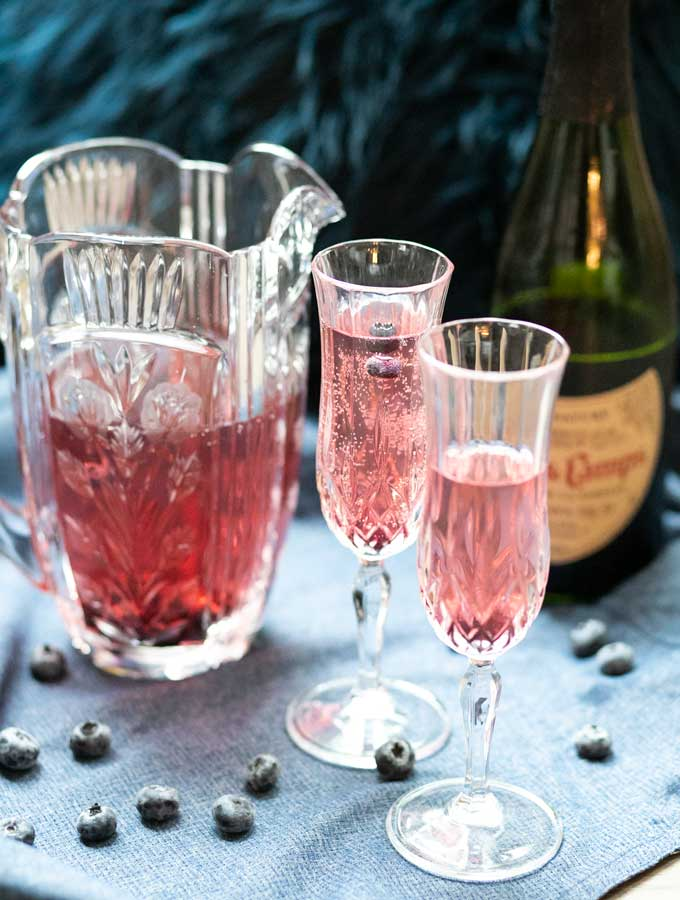Sparkling Blueberry Tea Cocktail - Low Carb Keto Recipe